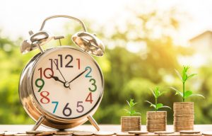 Zegar - czas to pieniądz - monety z szybkiej darmowej chwilówki