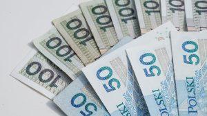 banknoty 50- i 100-złotowe z pożyczki