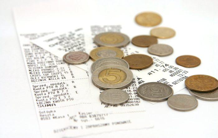 Rachunki i polskie złotówki - monety
